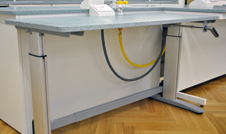 height adjustable lab desk