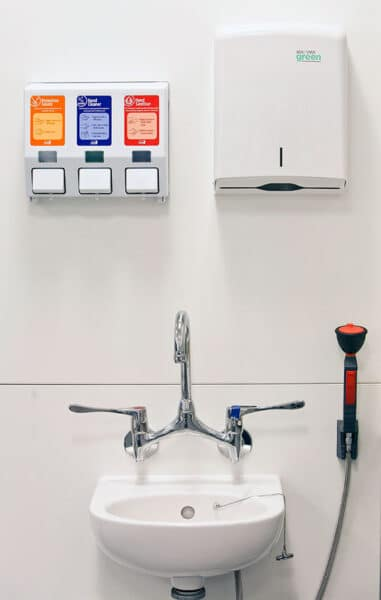 Tall emergency wash station for laboratories